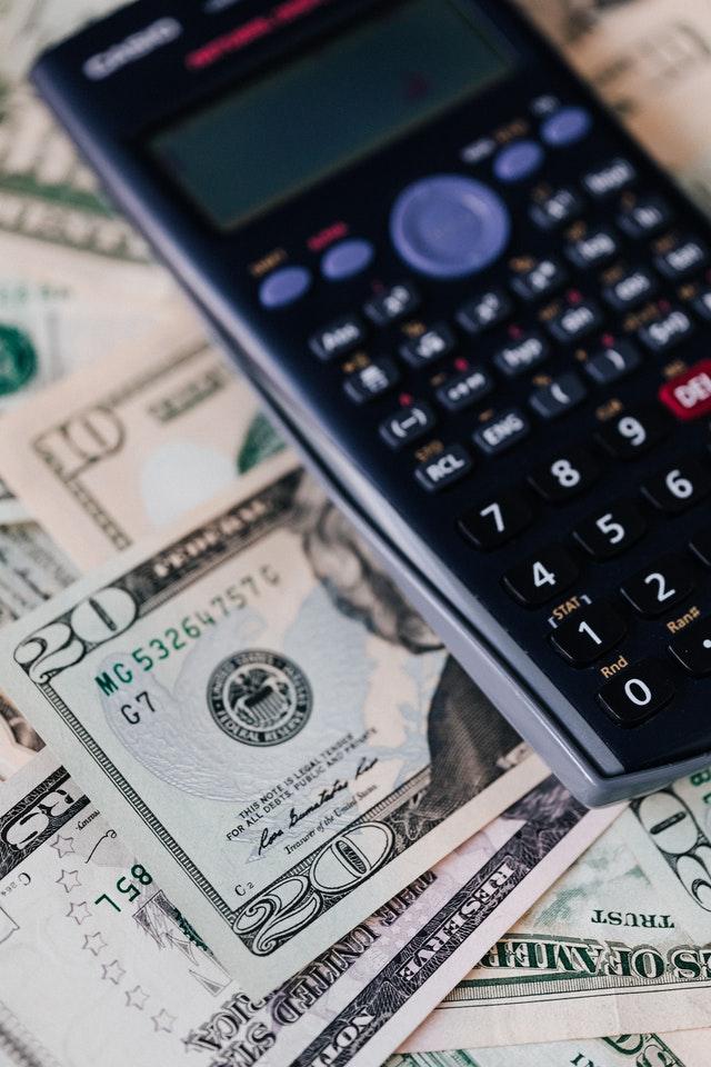 Kalkulačka s penězi