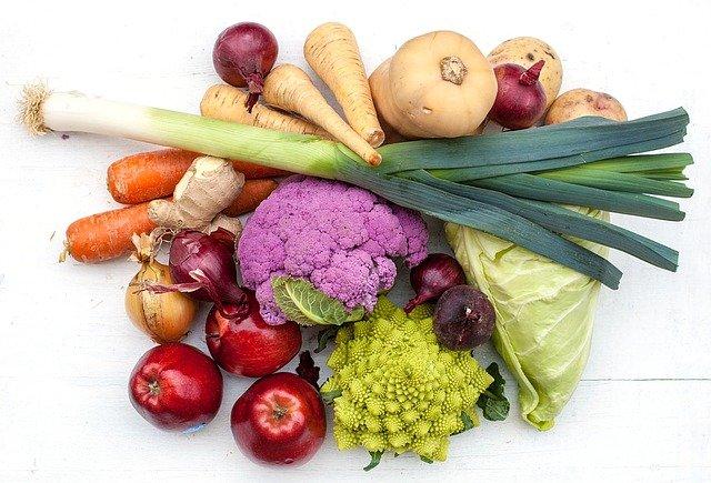 zelenina a jablka
