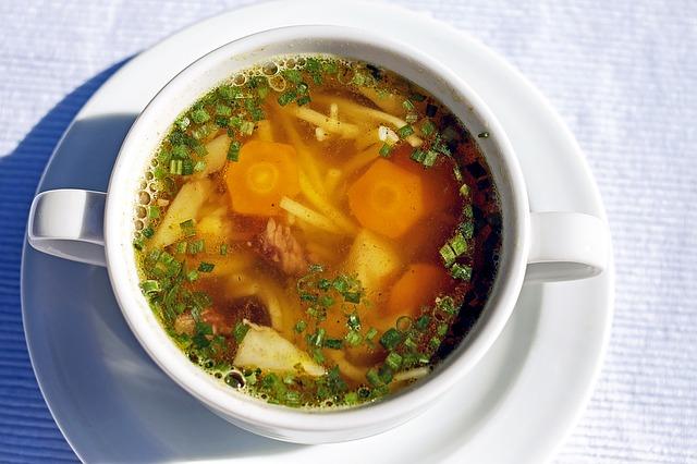 hovězí polévka