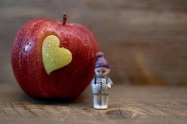 panáček u jablka