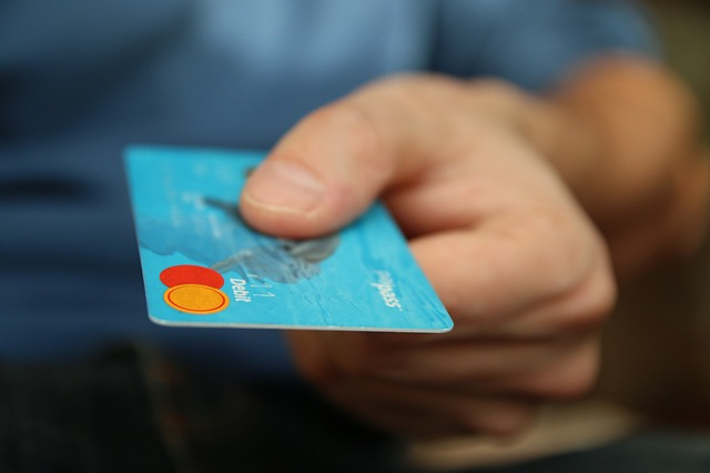 palec na kreditce